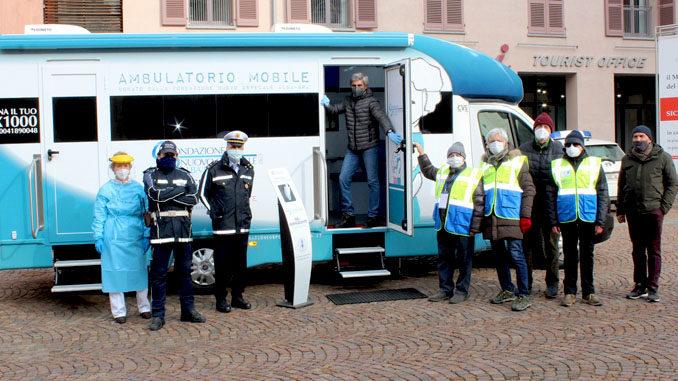 Alba: tampone rapido per la Polizia locale sull'ambulatorio mobile della Fondazione Nuovo Ospedale