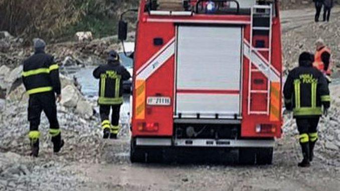 Clavesana: vettura fuori strada precipita in un torrente, incolume il conducente