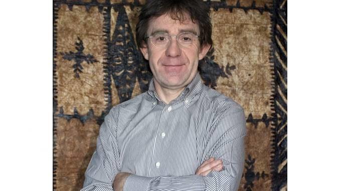 Dogliani: venerdì 19 l'antropologo Adriano Favole presenta in streaming il suo libro Vie di fuga