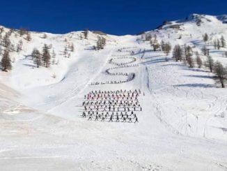 Sci: flash mob maestri in Piemonte, «chiediamo rispetto»