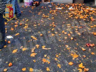 Carnevale fai da te con lancio di agrumi: multati sette eporediesi