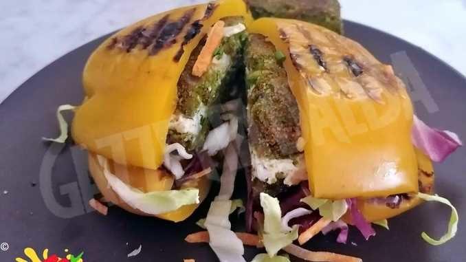 A Carmangola nasce il pepesandwich, col peperone al posto del pane