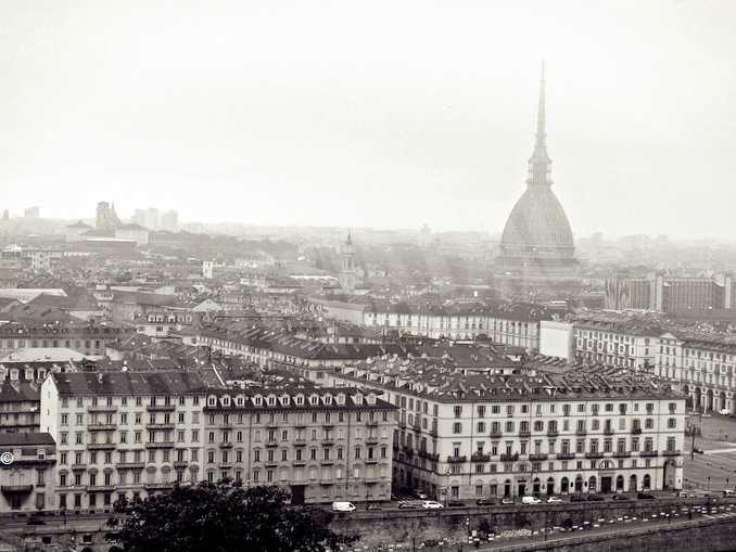 Smog a Torino, la procura emette avvisi di garanzia per Appendino, Cirio, Chiamparino, Fassino e altri