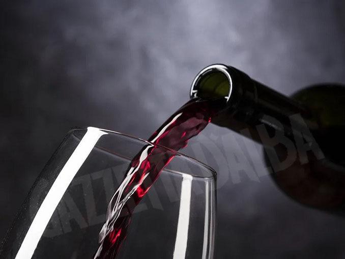 La Commissione Europea assimila il consumo consapevole del vino all'abuso di superalcolici