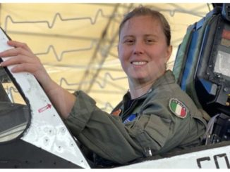 Erika Raballo, è albese la prima donna a ricevere le ali della Marina