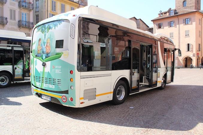 Bus elettirico urbano ad Alba