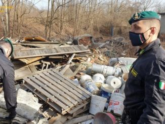 Amianto e olii esausti in riva al Po: denunciati due imprenditori a Chivasso