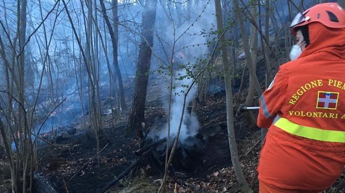 Domato da Vigili del fuoco e Aib un rogo a Cortemilia