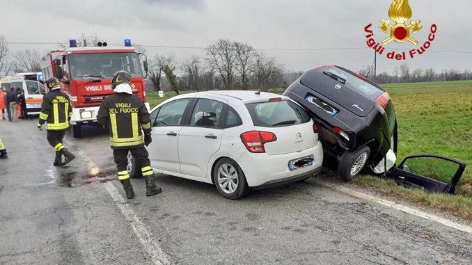 Scontro tra due auto  in località Pesiglione, fra Bene Vagienna e Lequio Tanaro