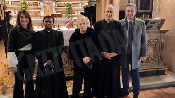 Katia Ricciarelli ha visitato Canale e ha cantato durante la Messa