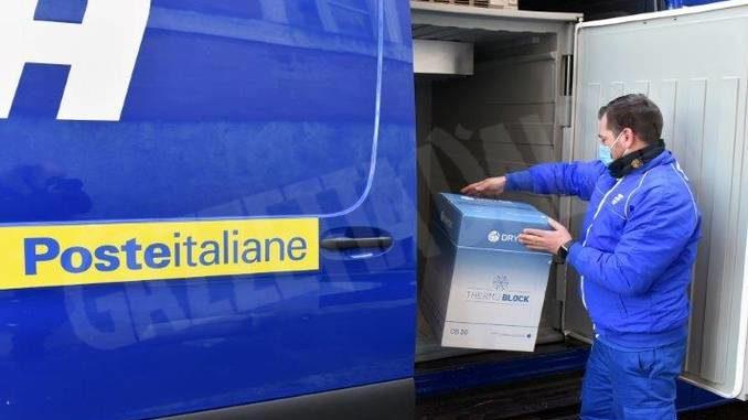 Consegnati da Poste italiane mille vaccini Moderna a Verduno