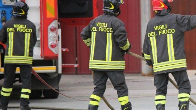 Alba: in fiamme un forno in un appartamento di via Rorine