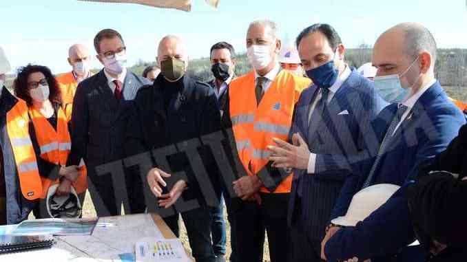 Il sottosegretario ai Trasporti Morelli in visita ai cantieri dell'Asti-Cuneo