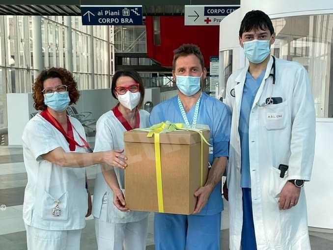 Praline per dire grazie agli operatori sanitari impegnati nell'emergenza sanitaria