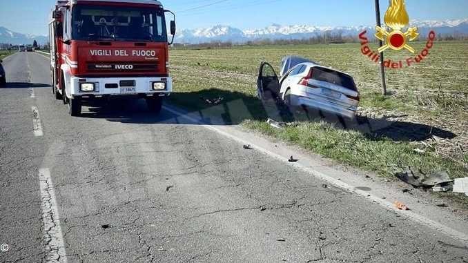 Frontale fra due auto a Savigliano: un ferito trasportato al Santa Croce