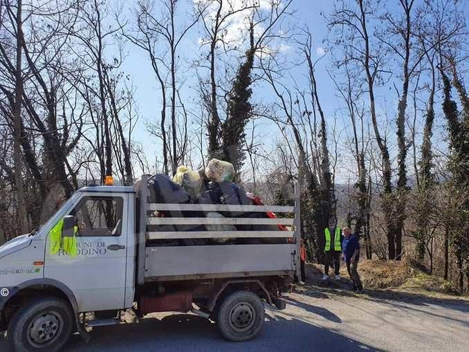Visita, ama, rispetta. La Protezione civile dei Comuni inseriti nel sito Unesco pulisce strade e fossati