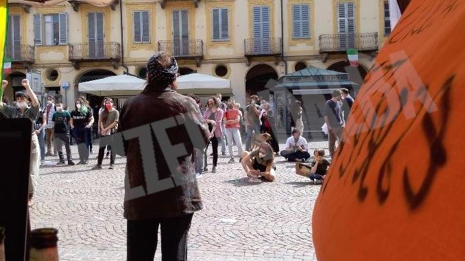 La festa della Liberazione invade piazza del Duomo