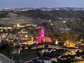 Canale: campanile illuminato di rosa per annunciare il Giro d'Italia
