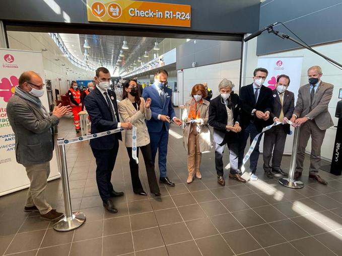 Inaugurazione hub vaccinale aeroporto Caselle 1