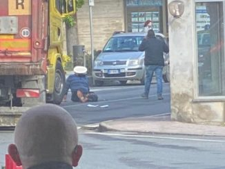 Uomo investito da un camion a Castagnole delle Lanze