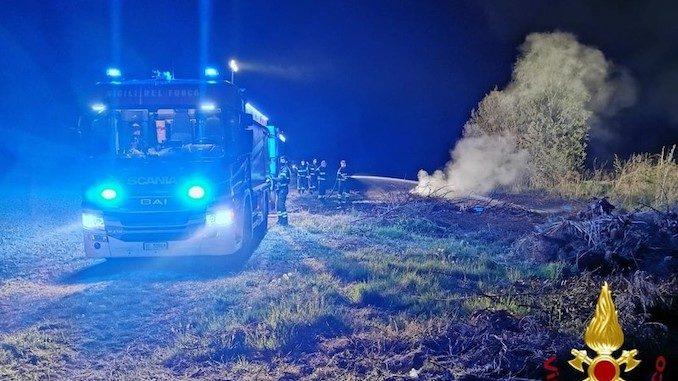 Incendio di sterpaglie tra Grana e Casorzo nel Monferrato