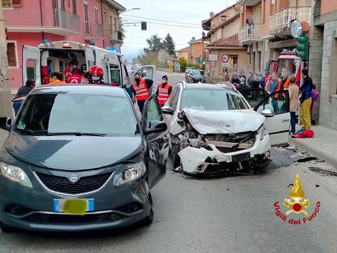 Incidente-incrocio-a-Rocca de Baldi 2021-04-05