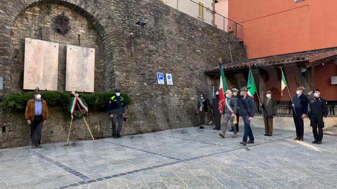 Deposta una corona d'alloro a Murazzano, ricordando coloro che combatterono e contribuirono a liberare l'Italia dal nazifascismo, Murazzano ha 1