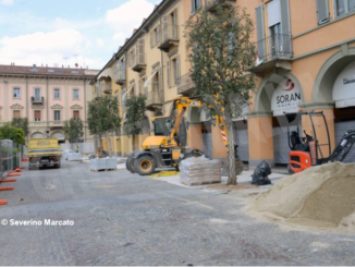 Iniziati i lavori per la nuova pavimentazione di piazza Ferrero