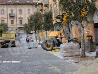 Iniziati i lavori per la nuova pavimentazione di piazza Ferrero 3