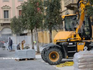 Iniziati i lavori per la nuova pavimentazione di piazza Ferrero 4