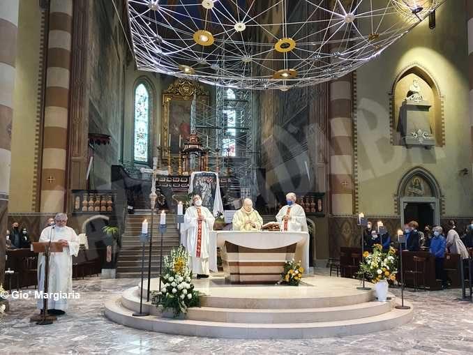 La Messa di Pasqua presieduta dal vescovo Marco Brunetti