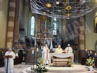 La Messa di Pasqua presieduta dal vescovo Marco Brunetti 2