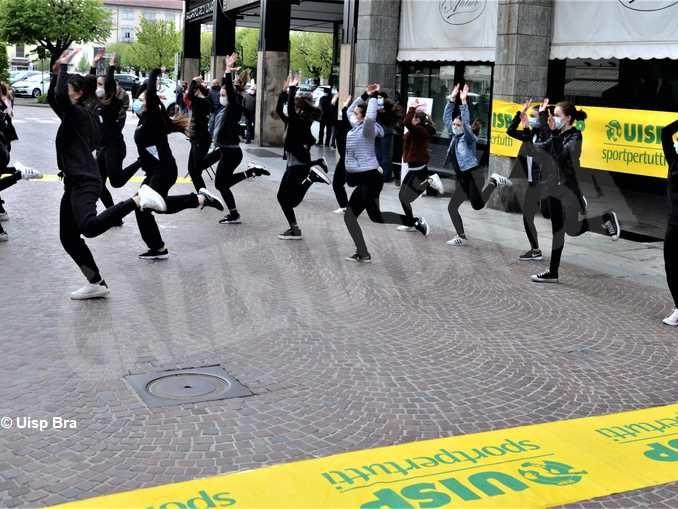 Flashmob della Uisp per riaprire sport e attività fisica 1