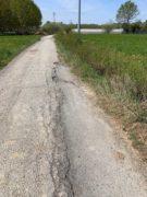 Nelle campagne tra Bra e Pollenzo buche e rifiuti la fanno da padroni 6