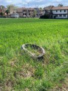 Nelle campagne tra Bra e Pollenzo buche e rifiuti la fanno da padroni 7
