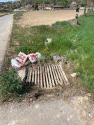 Nelle campagne tra Bra e Pollenzo buche e rifiuti la fanno da padroni 14