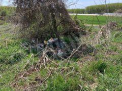 Nelle campagne tra Bra e Pollenzo buche e rifiuti la fanno da padroni 25