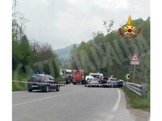 Incidente sulla statale 28, tre auto coinvolte: soccorritori ancora sul posto