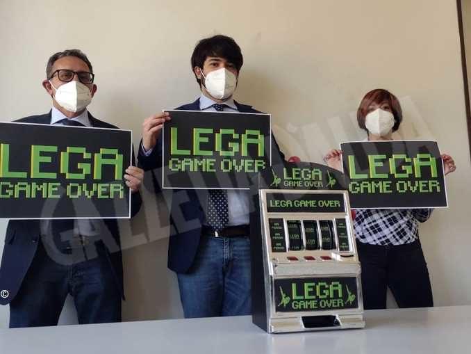 Stop alla discussione della legge sul gioco d'azzardo. Si cerca una soluzione condivisa