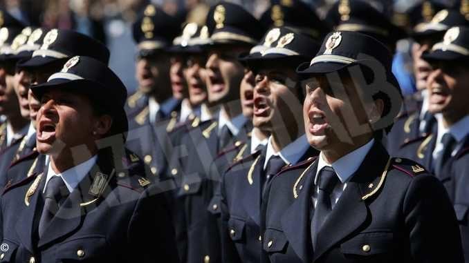 La Polizia di Stato ricorda in un libro i quarant'anni dalla smilitarizzazione