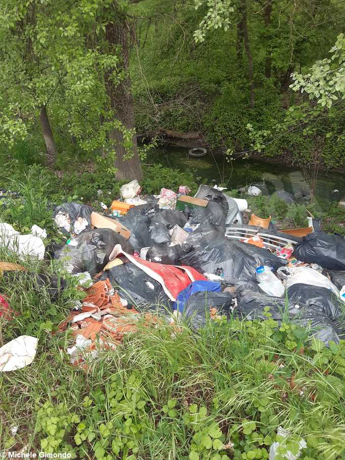 rifiuti lago san biagio6