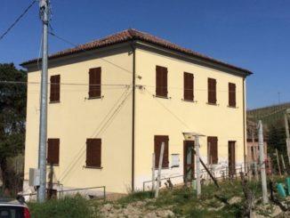 Terminati i lavori all'edificio delle ex scuole di frazione Balbi a Castiglione Tinella