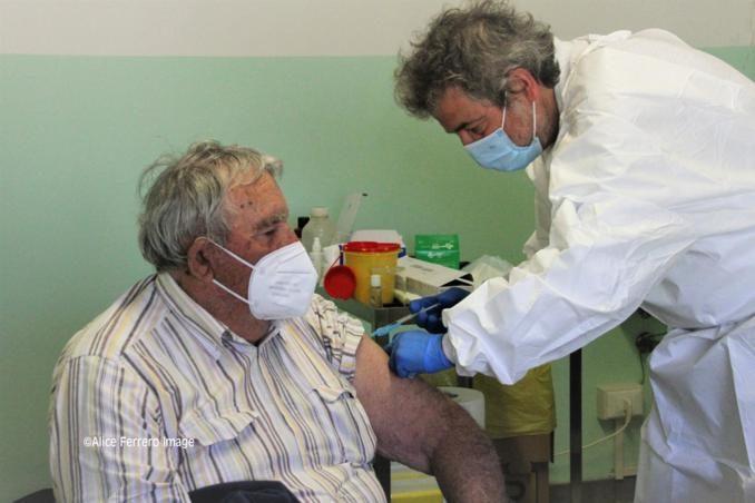 """Monchiero aderisce al progetto """"Mercoledì vaccinale – con punto mobile periferico"""" dell'Asl Cn2 (FOTO e VIDEO-INTREVISTE) 12"""