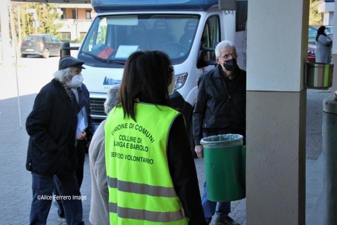 """Monchiero aderisce al progetto """"Mercoledì vaccinale – con punto mobile periferico"""" dell'Asl Cn2 (FOTO e VIDEO-INTREVISTE) 8"""