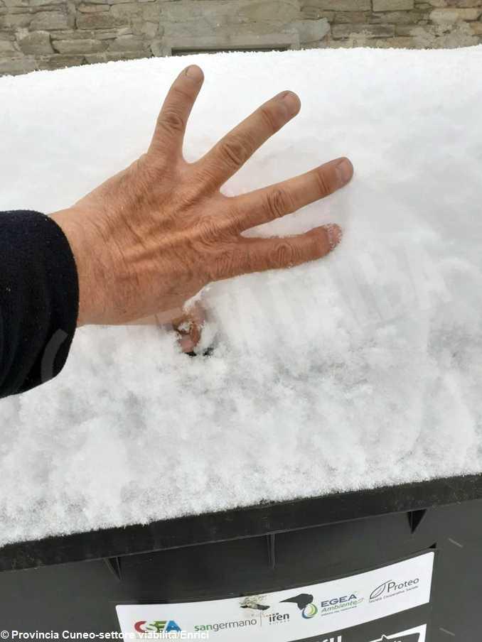 valmala neve 15 aprile 21-0000000002