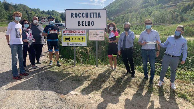 Anche a Rocchetta Belbo i segnali stradali salva ciclisti