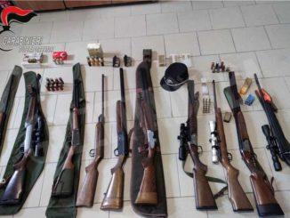 Fucili carichi in casa e munizioni in auto: denunciati cinque cacciatori