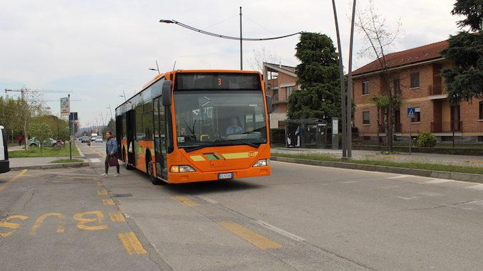 Alba: bus gratuiti per raggiungere i centri vaccinali
