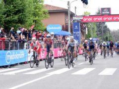 Taco Van Der Hoorn vince la tappa 3 del Giro d'Italia, Filippo Ganna ancora in Maglia Rosa 8