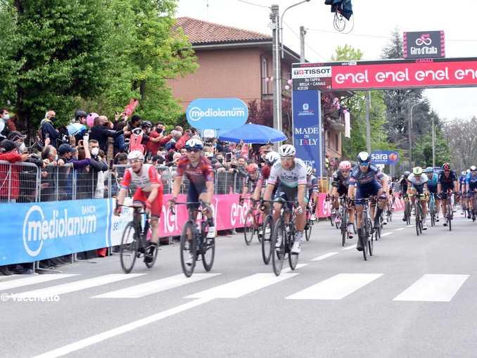 Canale Giro arrivo gruppo 3